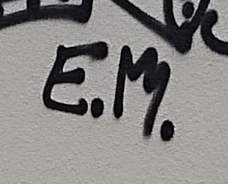 signature-EM
